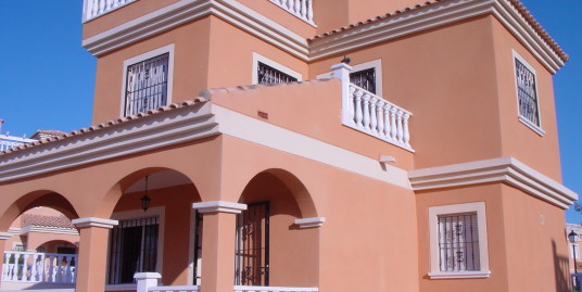 Detached Villa in Large Grounds