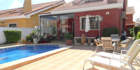 3 bed detached Villa with WiFi and Pool